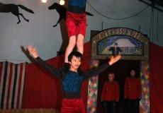 16-akrobater