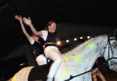 31-akrobater-til-hest