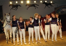35-akrobater-til-hest